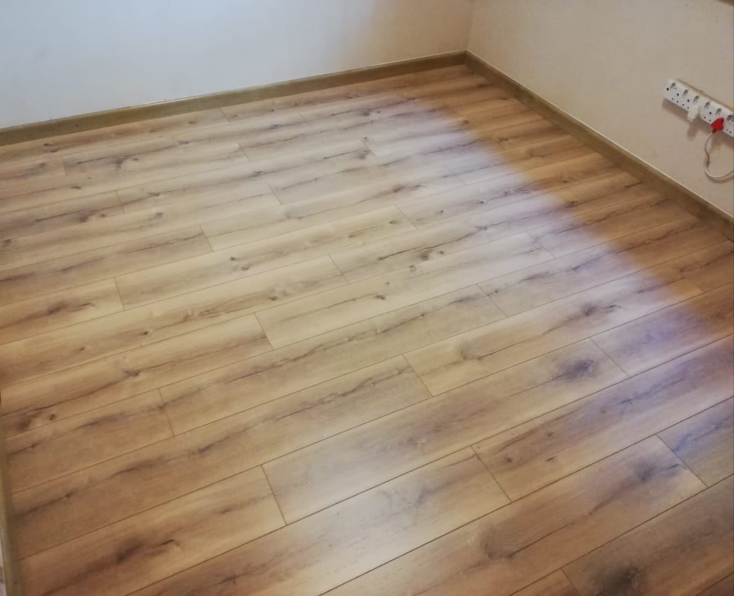 Laminate flooring (colour: Ilgaz Oak)